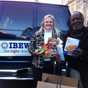 IBEW Delivers for the Needy