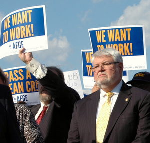 Fed Worker Unions Welcome Proposed Pay Raise
